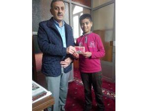 Suriyeli Çocuktan Örnek Davranış