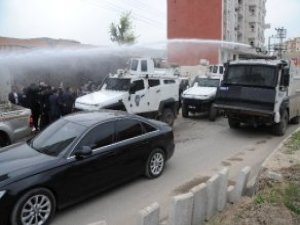 Cizre'ye Giden Demirtaş'a Polis Müdahalesi