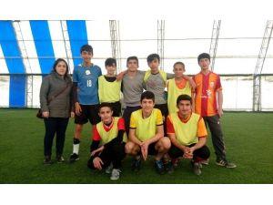 Hakkari Aihl Bahar Etkinlikleri Kapsamında Halı Saha Futbol Turnuvası Başlattı