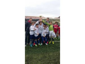 Biga Ortaokulu Küçük Erkek Futbol Çanakkale Şampiyonu Oldu