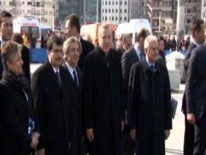 Taksim Meydanı'na Çıkan Erdoğan, Gezi Parkı'na Girmedi
