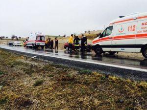 Otomobiller Çarpıştı 6 Kişi Yaralandı
