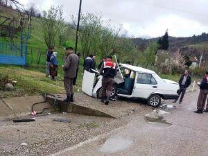 Ulus'ta Trafik Kazası: 4 Yaralı