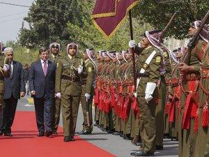 Başbakan Davutoğlu Ürdün'de törenle karşılandı