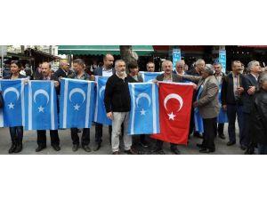 Antalya'da Türkmenlerden Tazehurmatu Tepkisi