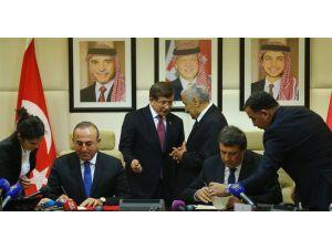 Davutoğlu'nun Ürdün ziyaretinde, işbirliği anlaşmaları imzalandı