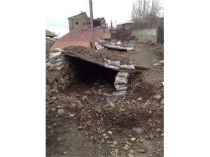 Yüksekova'da Sokaklardan Evlere Uzanan Tünellerde Patlayıcılar Bulundu