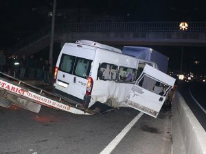Kocaeli'de düğün dönüşü kaza: 1 ölü, 17 yaralı