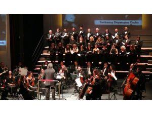 Şehitler anısına 'Doksan Bin Kar Tanesi' konseri duygulandırdı