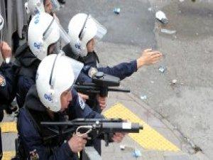 Polisten Eylemciye Tepki: Senin Yetiştirdiklerin Bombacı Oluyor