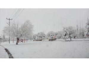 Acıgöl'de Kar Yağışı