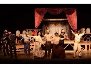 """""""Dünya Tiyatro"""" Günü Maltepe'de Festivalle Kutlandı"""