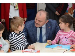 Başkan Gürlesin'den Okullara Büyük Destek