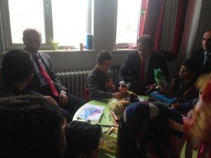 Kulp Kaymakamı Dülgeroğlu'nun Okul Ziyaretleri Devam Ediyor