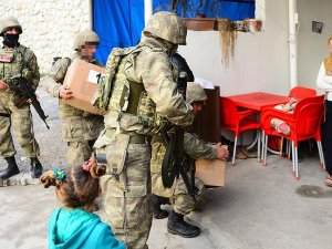 Şırnak'taki ailelere gıda yardımı
