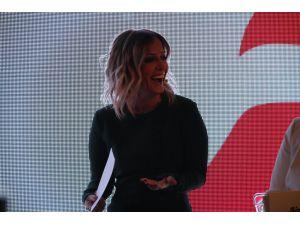 Saba Tümer: Çok gülüyorum diye kendime gıcık oluyorum