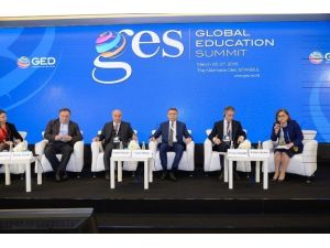 Fatma Şahin, Göç Eğitim Ve Entegrasyon Panelinin Moderatörlüğünü Yaptı