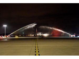 Emirates'in Boeing 777-300 uçağı Sabiha Gökçen'de