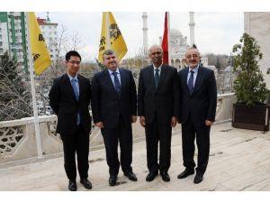 Singapur Büyükelçisi'nden Başkan Akyürek'e Ziyaret
