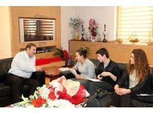Başkan Kadıoğlu, Öğrencileri Makamında Ağırladı