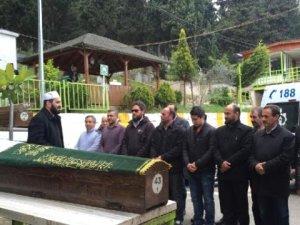Kimsesi Olmayınca Cenaze Namazını Mezarlık Çalışanları Kıldı