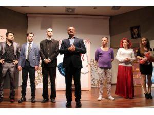 Hatm-i Çiçeği Tiyatrolar Günü'ne Özel Gösterim Yaptı
