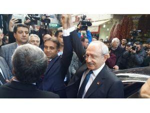 Kemal Kılıçdaroğlu Saldırıya Uğrayan İl Başkanını Ziyaret Etti