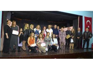 Kuşadası'nda Kadın Girişimcilerden Tiyatro