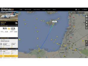Mısır Havayolları'na ait uçak kaçırıldı