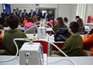 Biga Ortaokulu Fen Laboratuvarına Kavuştu