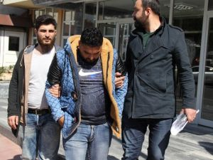 İzmir Polisinin Göçmen Ticaretinden Aradığı 2 Kişi Samsun'da Yakalandı