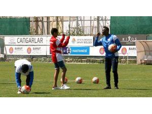 Antalyaspor Antrenmanında ETO'o'nun Özel Konuğu