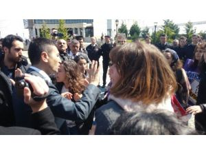 Kız Öğrencilerin Eylemine Polis Müdahalesi