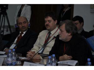 """Entelektüeller, """"radikalizm"""" ve Türkiye-Rusya ilişkilerini konuştu"""