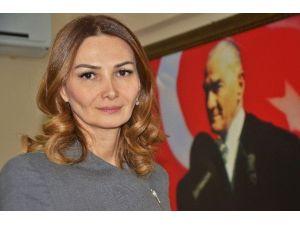 """Azeri Vekil Paşayeva: """"Bugün Türkiye'ye Sahip Çıkma Zamanıdır"""""""