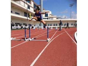 Hakkari'de Analig Atletizm Yarı Finalleri 