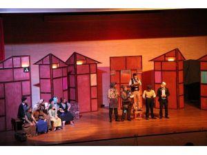 Toroslar Belediyesi Şehir Tiyatrosu'ndan 'Keşanlı Ali Destanı'