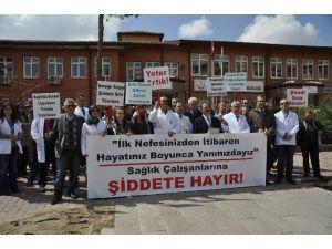 Sağlık Çalışanları Şiddete Karşı Sessiz Kalmadı
