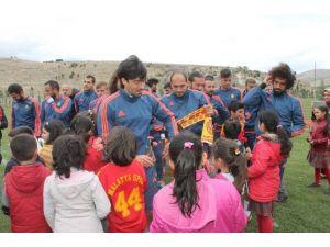 Alima Yeni Malatyaspor'un Minik Ziyaretçileri