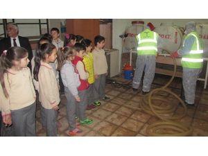 Teski İl Genelindeki Okulların İçme Suyu Depolarını Temizliyor