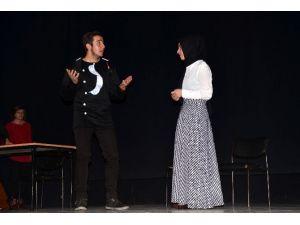 Dersteki Tiyatro Hayali Bitlis Birinciliği Getirdi