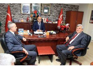 Başkan Karaosmanoğlu Siyasi Partilere Ziyaret Gerçekleştirdi