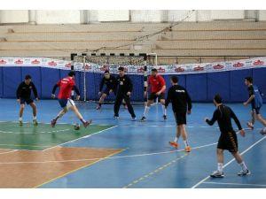 A Milli Hentbol Takımı Rize'de Kamp Yapıyor