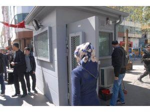 Sur'un Dört Bir Tarafına 15 Tonluk Zırhlı Güvenlik Kulübesi Kuruldu
