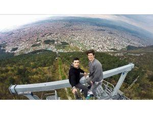 Dünyanın En Uzun Teleferiğinde Tehlikeli Selfie