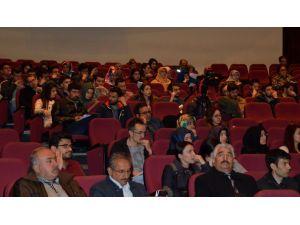 Mülteci sorunu, Erciyes Üniversitesi'nde masaya yatırıldı