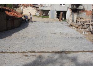 Burhaniye'de Kırsal Mahallelerde Yol Yapımı