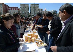 Büyükşehir Kadın Meclisi'nden Sur İçin İkinci Dayanışma Yemeği