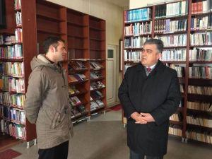 Başkan Özgüven'den Kütüphane Ziyareti