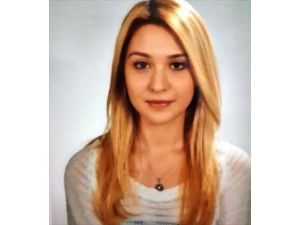 Apart Odasında Ölü Bulunan Genç Kız Toprağa Verildi